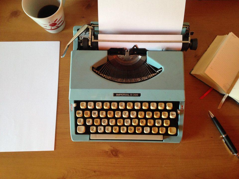 ما هي المقومات العامة للكتابة ؟